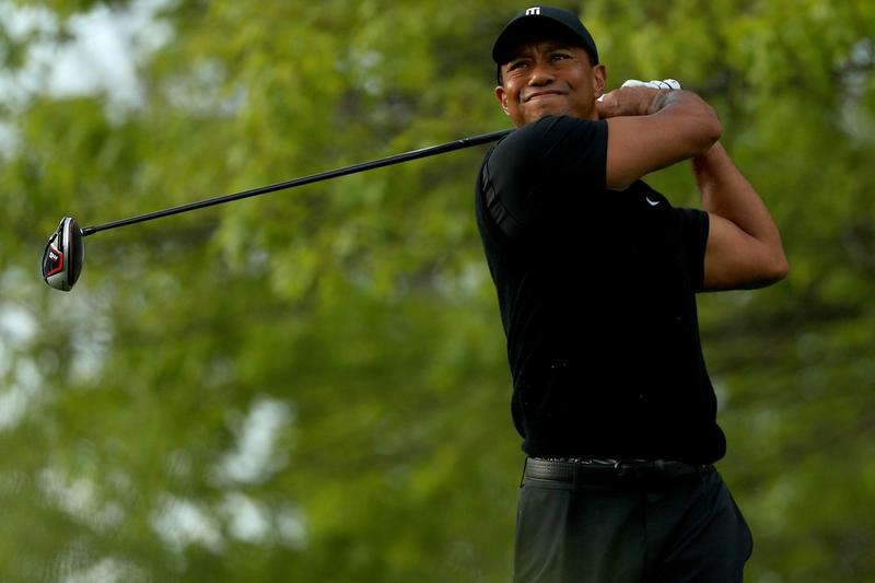 tiger woods injured hospitalized car accident los angeles