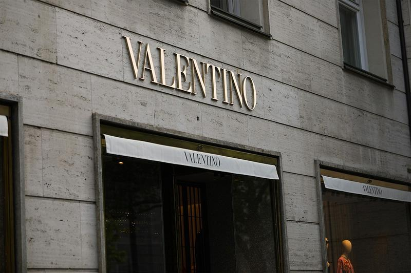 valentino fashion 2020 financial results report business 27 percent drop ecommerce china market asia growth sales