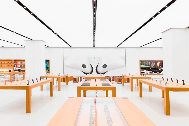 Apple Reopens All Its U.S. Stores Since 1 Year Apple Store Texas Tim Cook iPhone