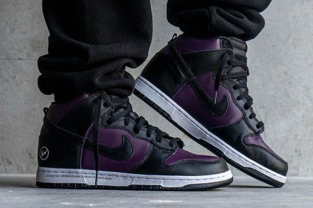 """On-Foot Look at the fragment design x Nike Dunk High """"Beijing"""""""