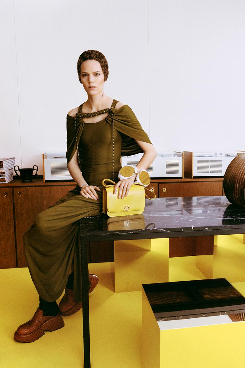 """LOEWE Fall/Winter 2021 Womenswear Collection """"A Show In The News"""" Livestream Runways Jonathan Anderson Danielle Steel The Affair"""