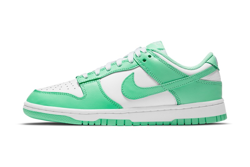 "Nike Dunk Low to Release In Bright ""Green Glow"""