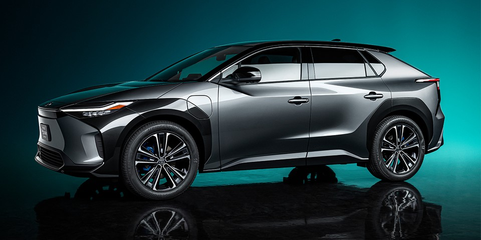 Toyota Paves the Way for a Carbon Neutral Future With the bZ4X BEV Concept