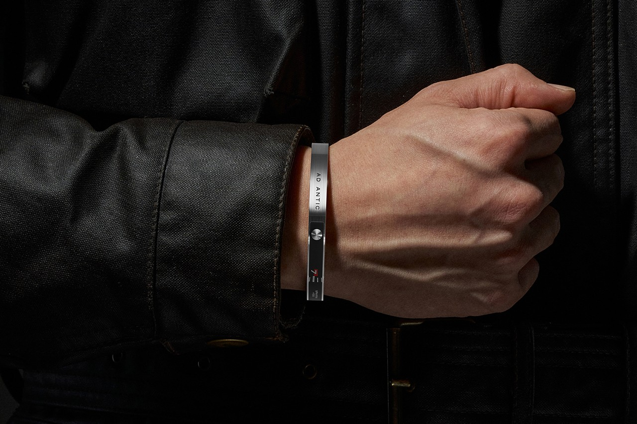 ad antic product design red dot design award 2021 bracelet the counter wrist accessory fashion