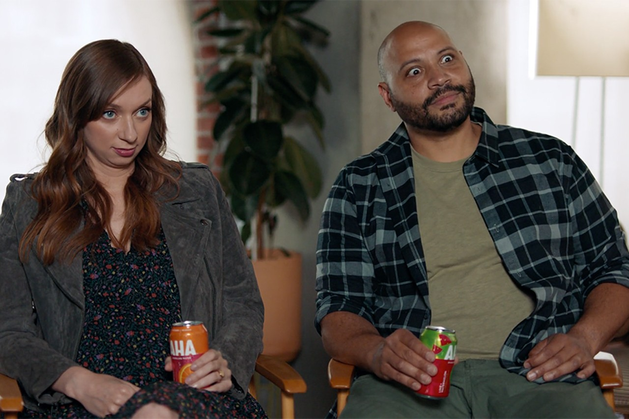 Coca-Cola seltzer creative campaigns ads Lauren Lapkus and Colton Dunn new flavors Raspberry + Acai and Mango + Black Tea existing flavor combinations Lime + Watermelon, Strawberry + Cucumber, Citrus + Green Tea, Orange + Grapefruit, Blueberry + Pomegranate and Peach + Honey consistent growth covid-19 launch Ulises Ramírez, Group Director videos eye-catching detail billboards tv social 12- and 16-ounce cans