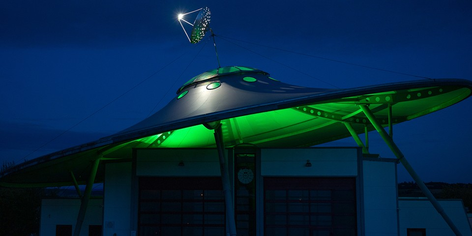 Ex-Pentagon Official Confirms Government Cover-Up of UFOs (UPDATE)