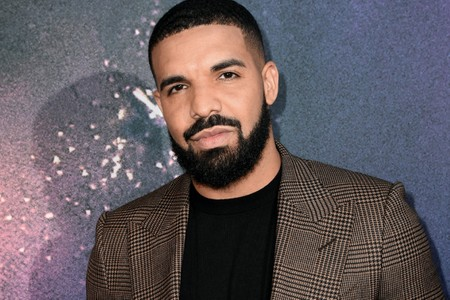 Is Drake Set to Become Hip-Hop's Next Billionaire?