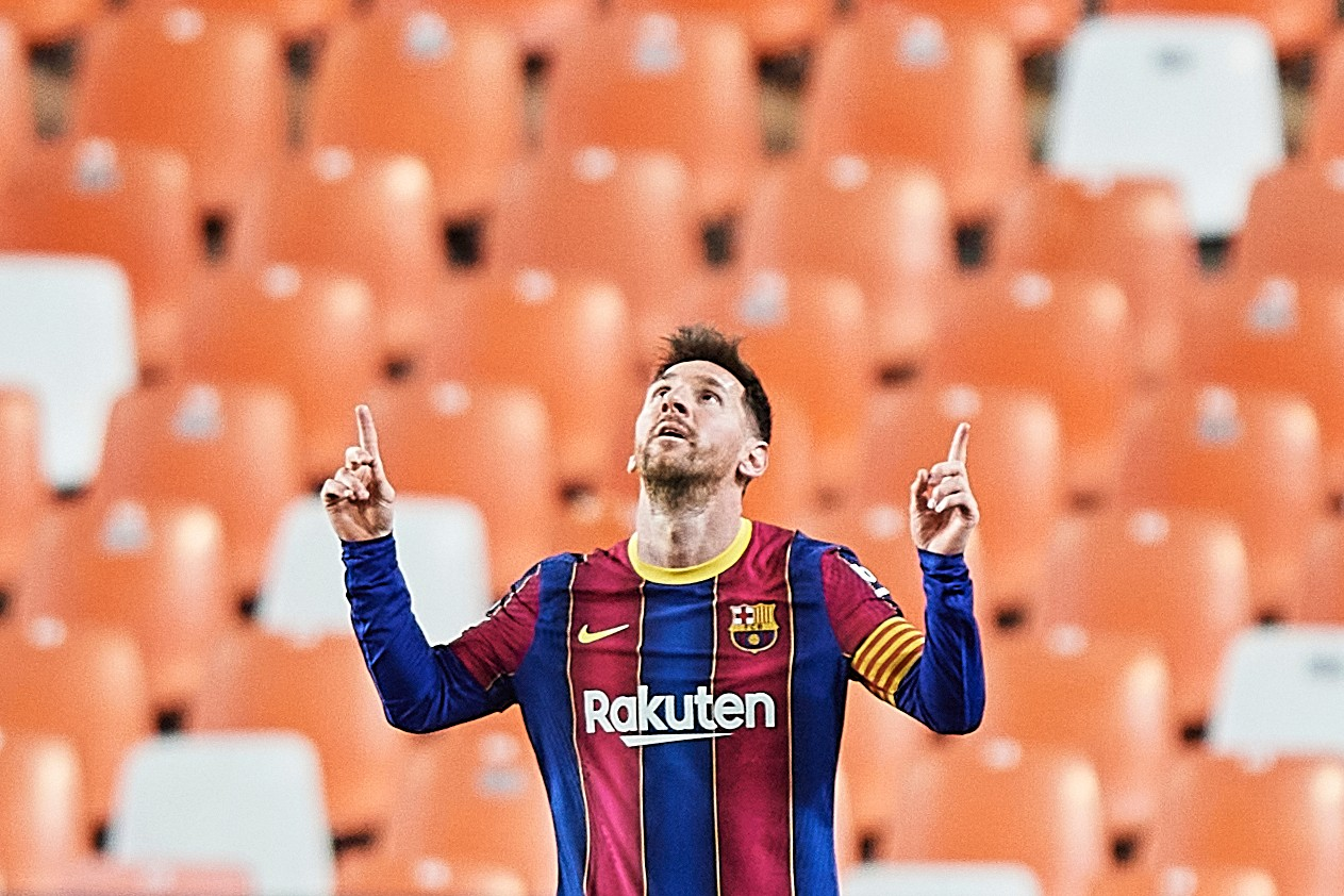lionel messi leaving barcelona cristiano ronaldo paris saint germain manchester city mls usa contract dispute issues details