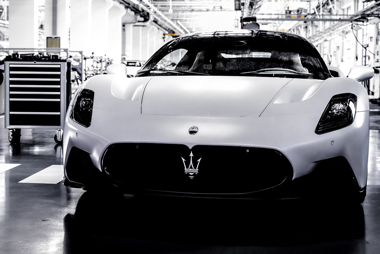 Maserati MC20 Driven Test Drive Drove Fast Supercar V6 Turbo Ferrari Lamborghini Rival Motor Valley Modena Yellow Sports Power Speed Performance Two Seat Pre Production First Look Exclusive Images