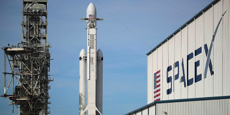 Elon Musk SpaceX Launch First Billboard Space   HYPEBEAST
