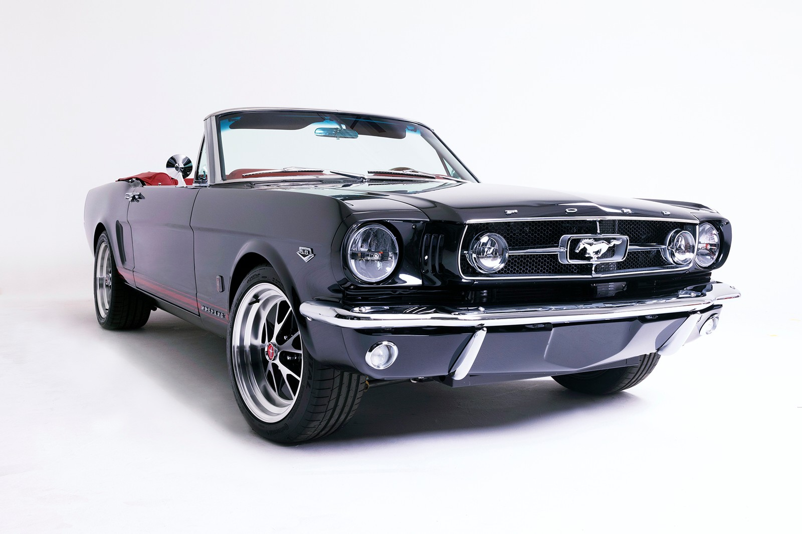 Kevin Hart and His Modified 1965 Ford Mustang DRIVERS Muscle Car Crew Motortrend Show Fatherhood