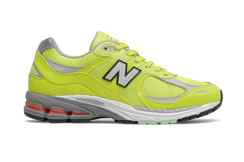 New Balance 2002R Surfaces in a Duo of Summer-Friendly Colorways