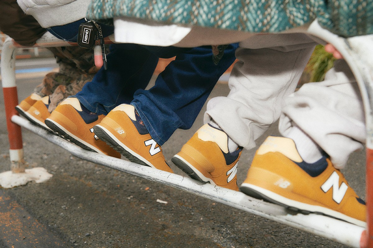 travis scott fragment design air jordan 1 low jjjjound vans sk8 mid black green brown air jordan 1 retro high og seafoam sacai nike blazer low british tan nike dunk low sail multi camo todd snyder new balance 327