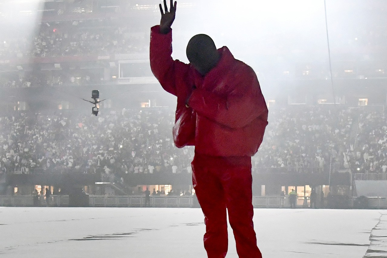 Kanye West Fashion Statements Era DONDA Balenciaga Fall 2020 Spiked Rubber Leather Jacket Mercedes-Benz Stadium Atlanta Listening Party Music Rapper Kim Kardashian Face Covering Balenciaga Demna Gvasalia Rick Owens Bottega Veneta The Row Rei Kawakubo