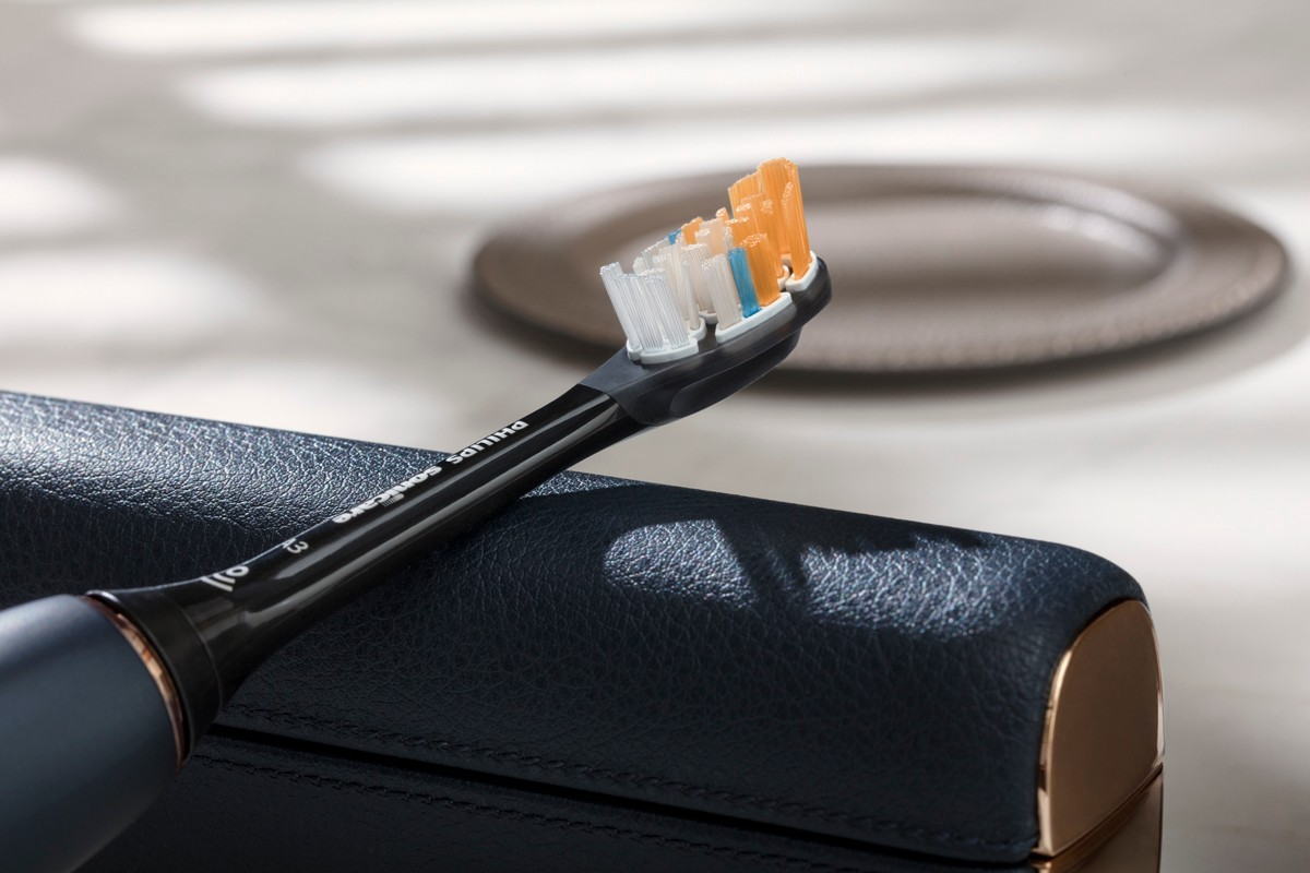 intelligent toothbrush electric brush teeth clean dental hygiene routine oral