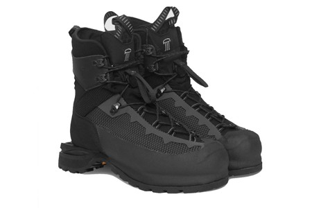 Demon's Carbonaz Boot Offers an Elevated Take on Hiking Gear