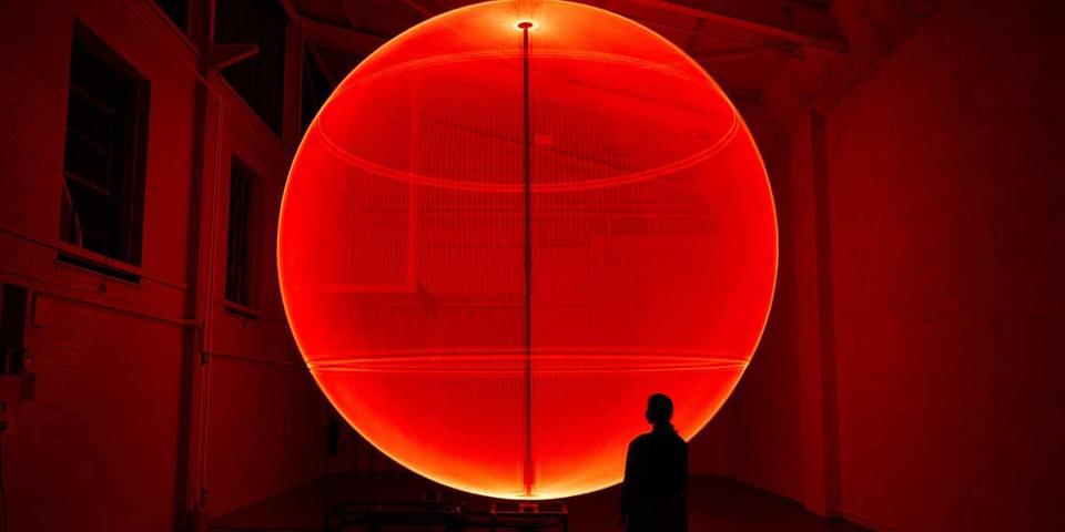 Fred Tschida Enchants the Eye With His Kinetic Neon Sculptures