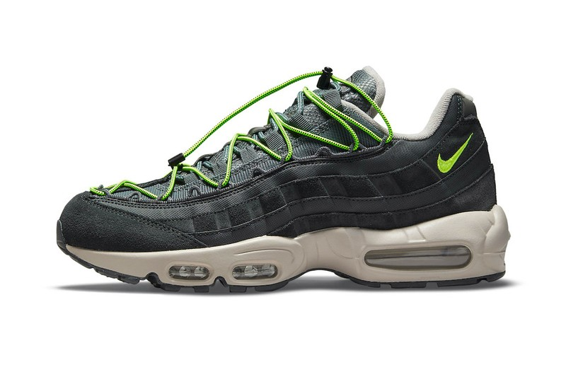 """The Speed-Lacing Nike Air Max 95 Receives a """"Volt"""" Colorway"""