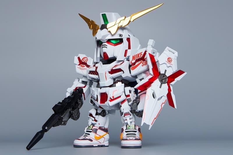 Gundam Nike SB Limited Edition Mini Figures QMSV RX-0 Unicorn Gundam y 02 Banshee (Destroy Mode) Ver