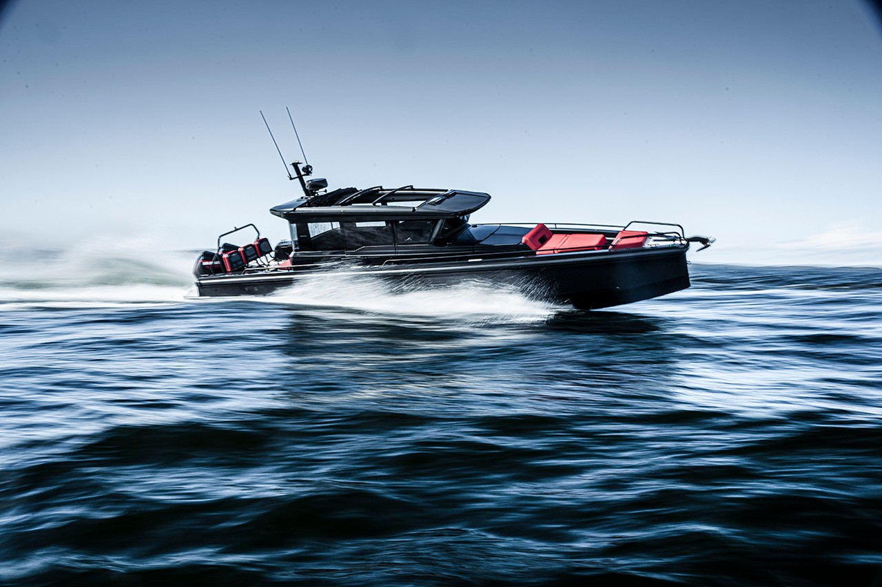 Panerai And Boatbuilding Arm of Brabus Collaborate on Limited Edition Submersible Inspired by Dayboats