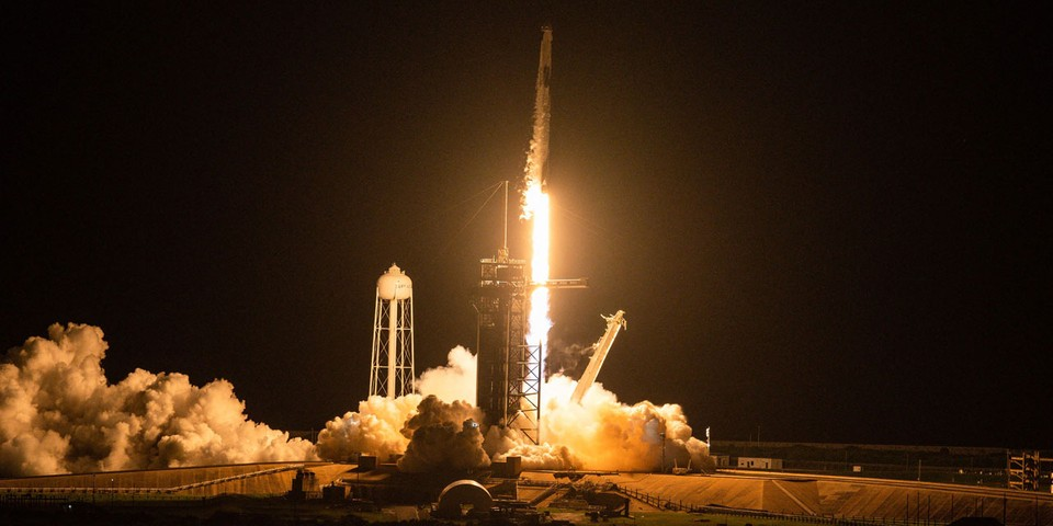 SpaceX Shares First Images From All-Civilian Inspiration4 Space Trip