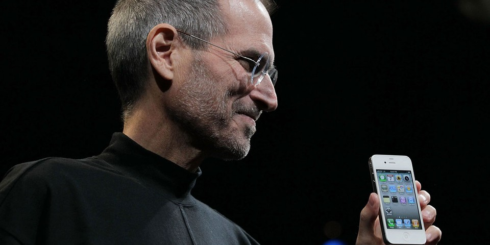 Former Apple Design Chief Jony Ive Pens Letter for Steve Jobs 10 Years After His Death