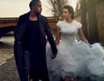 Kanye West & Kim Kardashian Tie the Knot in Italy