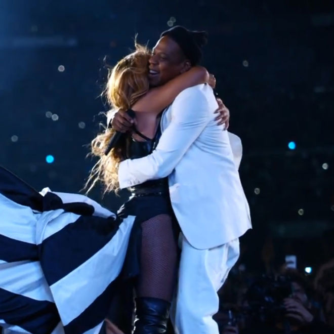 Watch Jay Z Beyonce Perform Young Forever Halo For Hbo S On The Run Hypebeast