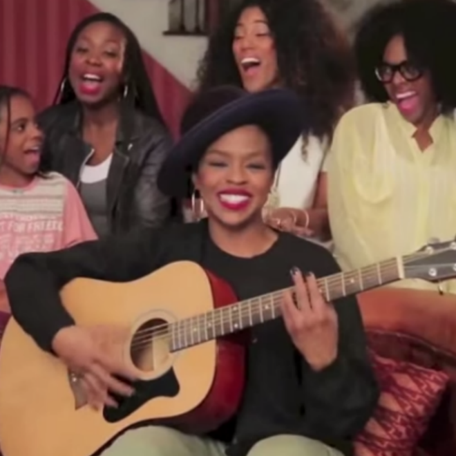 Watch Lauryn Hill's Acoustic Apology for Missing A Show In