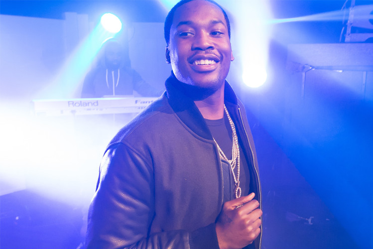 0144964e8e0 Meek Mill Reignites Feud With Drake on