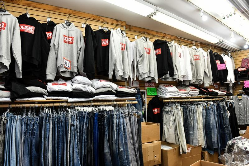 Diesel Contrefaçon Pop-Up Store Deisel Hoodies T-Shirts Jeans New-York Canal Street
