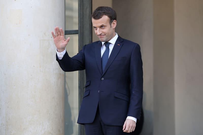 Emmanuel Macron Elysée Signe Main