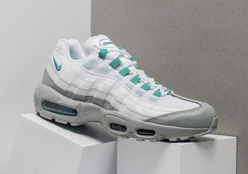 Nike Air Max 95 turquoise blanche grise
