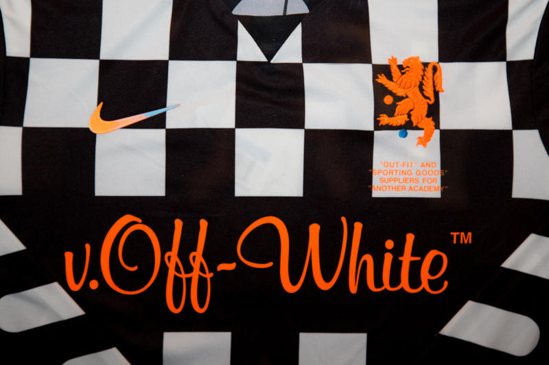 Photo Collection Off-White™ x Nike Football