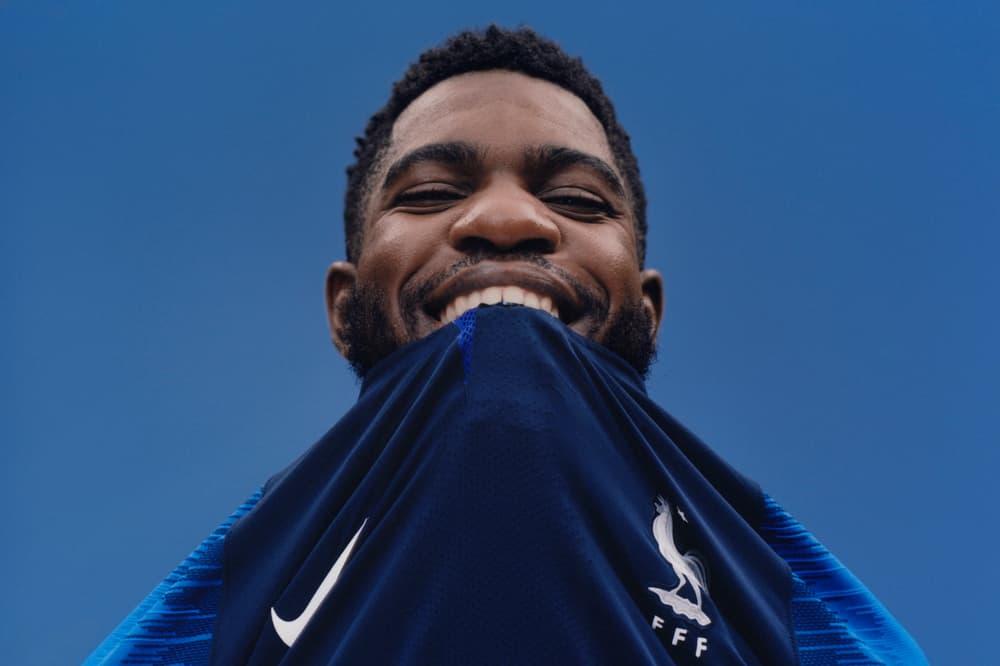Photo De Samuel Umtiti Avec Le Maillot De L'Équipe De France