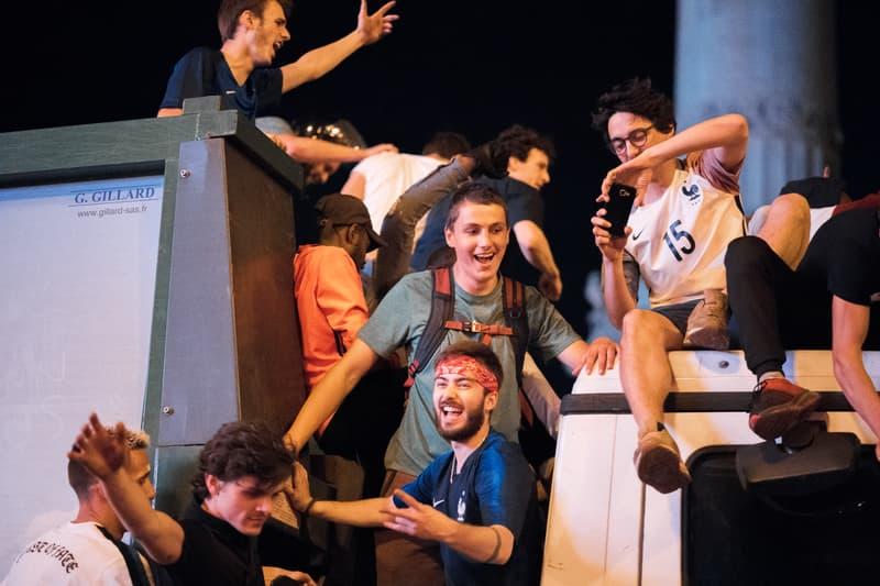 Photos Des Supporters Des Bleus