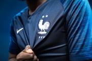 Des Vols D'Étoiles Sur Les Maillots Équipe De France Constatés Dans Les Magasins Nike