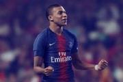 La Légende Du Football Pelé A Offert Un Cadeau À Kylian Mbappé
