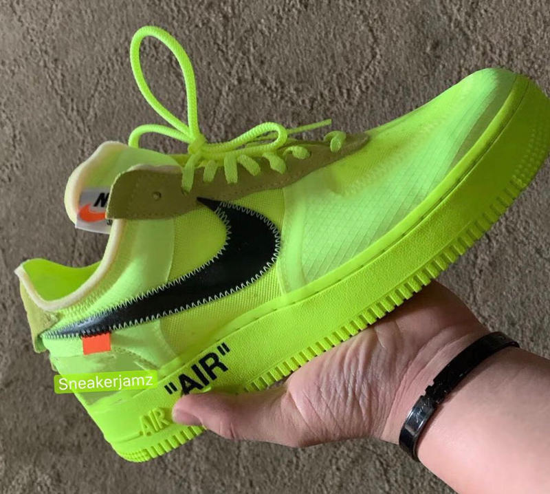 photos officielles f0dcc fcd25 Les Visuels De Deux Off-White™ x Nike Air Force 1 Ont Leaké ...