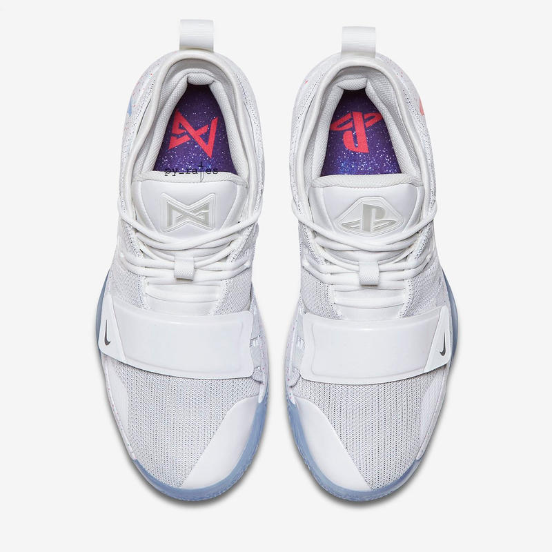 Photo Nike x PlayStation PG 2.5