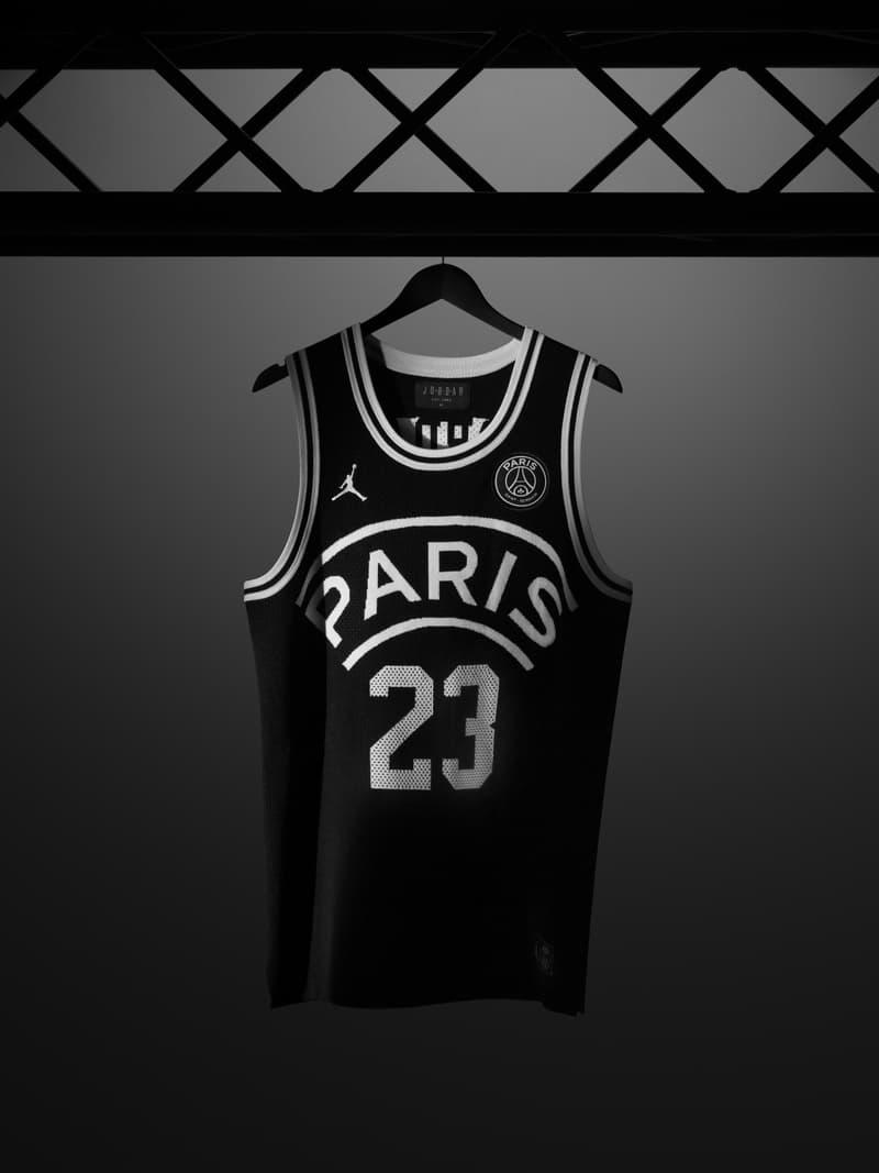 photos officielles 7ca90 df440 PSG x Air Jordan : 200 Nouveaux Maillots De Basket Remis En ...