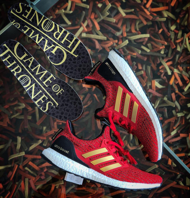 "Photos De La adidas UltraBOOST x Game Of Thrones ""House Lannister"""