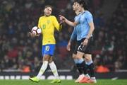 Tension Entre Neymar Et Cavani Lors De Brésil-Uruguay (Spoiler : Neymar A Simulé)