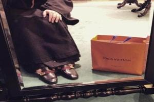 Un Prêtre Crée La Polémique En Russie Après S'Être Affiché Sur Instagram Avec Du Louis Vuitton Ou Gucci