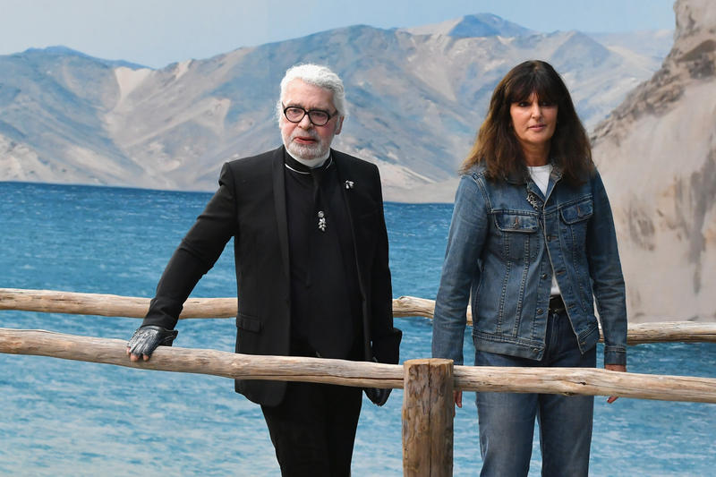 Photo De Virginie Viard Et Karl Lagerfeld