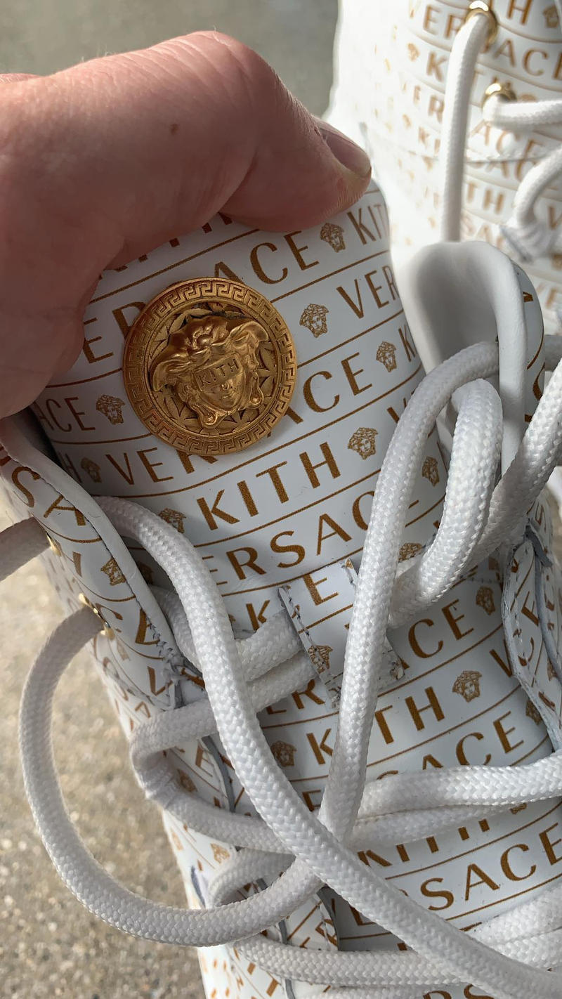Photo Sneakers KITH x Versace