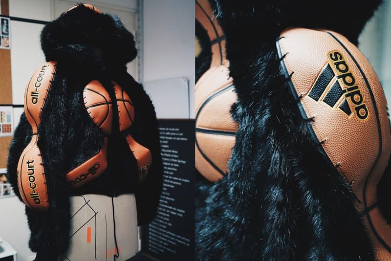Photos De L'Œuvre De Freaky Debbie Pour Trajectoire Studios