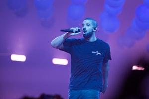 Vidéos - Voici Tout Ce Qui S'Est Passé Lors Du Concert De Drake À Paris