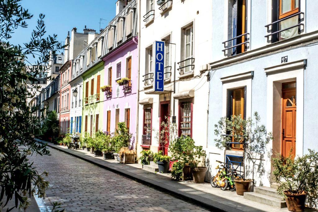 La Rue Crémieux À Paris Se Révolte Contre Les Instagrameurs Avec Un Compte Vengeur Et Hilarant