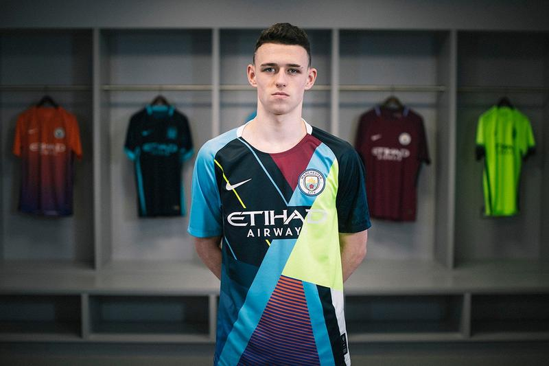 Photo du maillot anniversaire Nike Manchester City